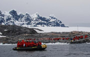 Путешествия в Антарктику планируют ограничить Фото А. Соснин newsletter.infoflot.ru/Articles/Polo/08.html